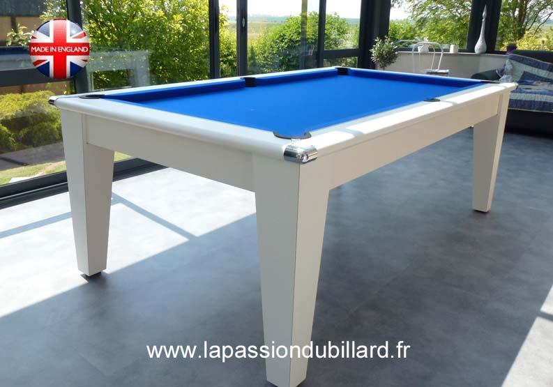 Photo billard table, Table de billard contemporaine avec ...